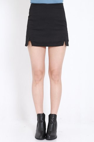 Double_Slit_Fitted_Skorts_Black_1.jpg