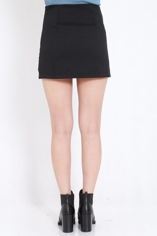 Double_Slit_Fitted_Skorts_Black_4.jpg