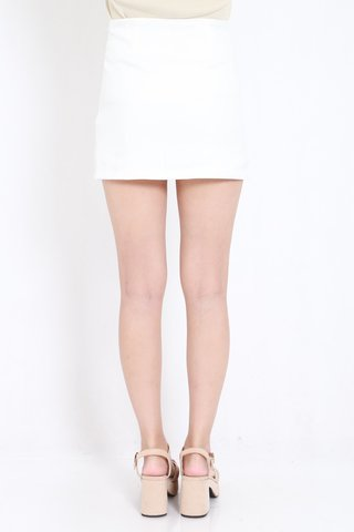 Double_Slit_Fitted_Skorts_White_4.jpg