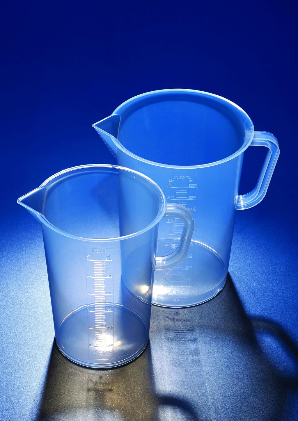Product 77 - Jug with moulded graduations, Polypropylene.jpg