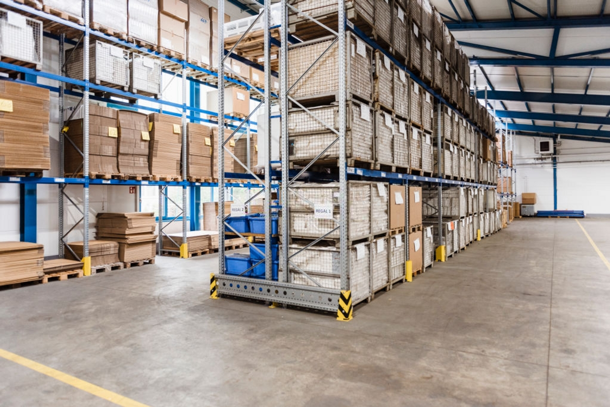 8 Tips to Choosing the Perfect Warehouse Shelving
