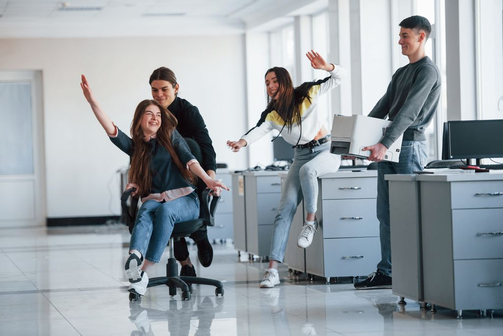 10 Exercises You Can Do At The Office With An Alterseat