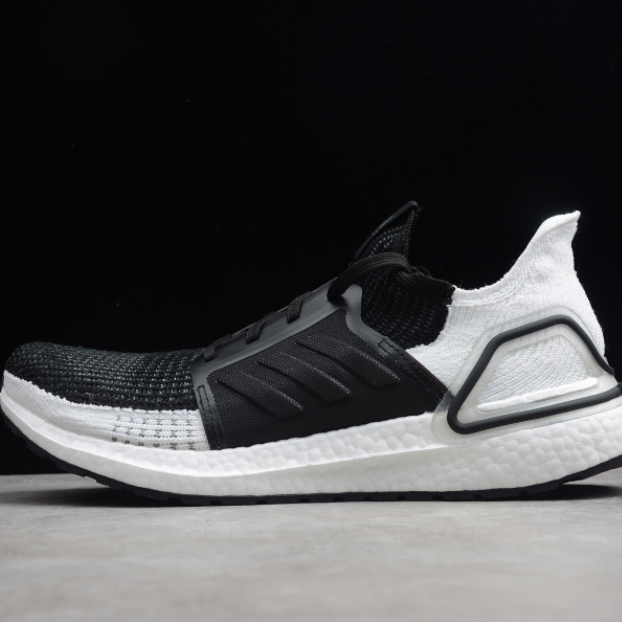 new styles 703d0 74c91 Adidas Ultraboost 5.0 Black Top White Bottom