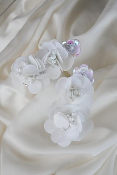 flutter-earrings-white