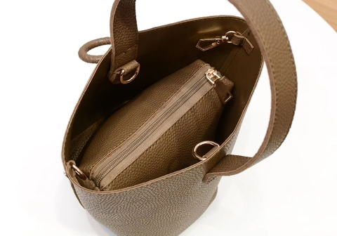 clubinana-sharon-bucket-bag-interior-02.jpg