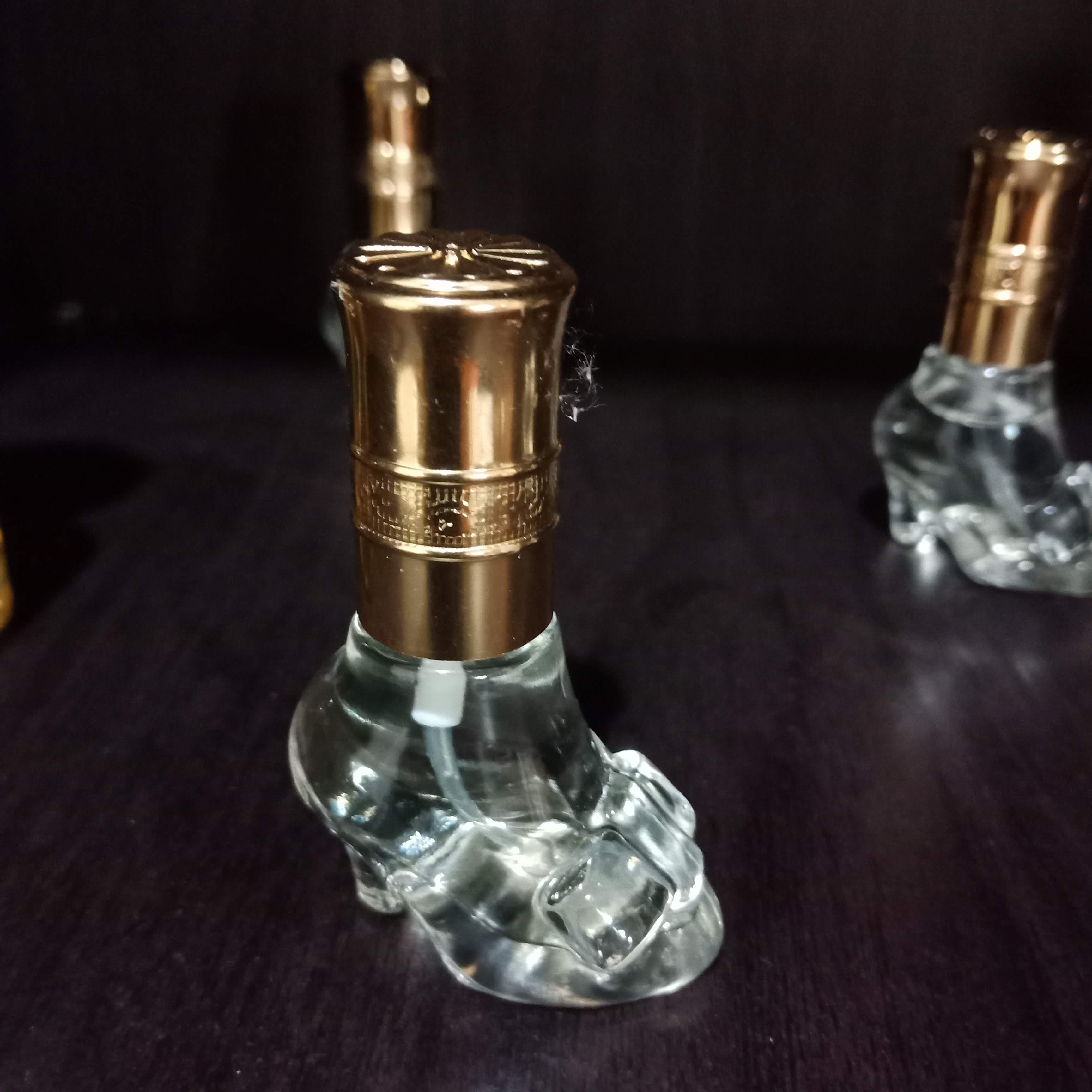 Esyamz Perfume & Bodycare | EXCLUSIVE DOORGIFT PERFUME