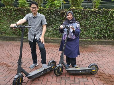 Malaysia's Best Electric Scooter | E bike and Electric Unicycle - Wan Naim - Segway MAX