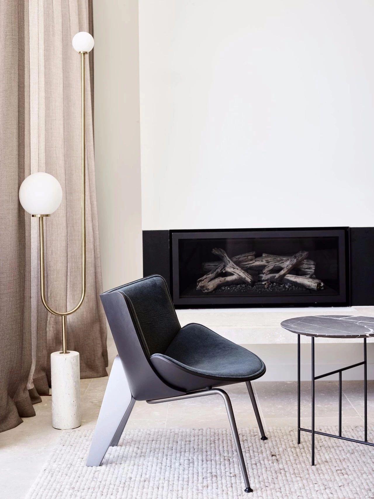 black chair.jpg