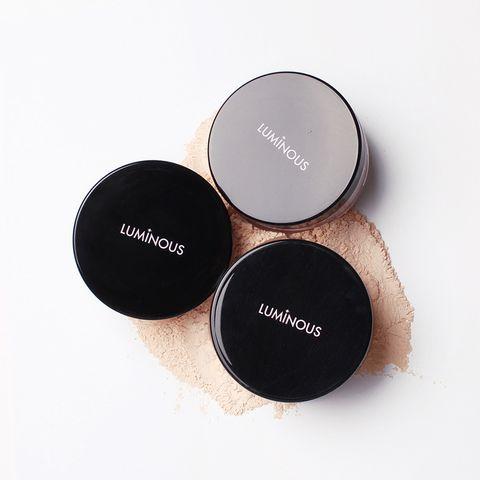 Liminous-Perfume-Face-Powder02.jpg