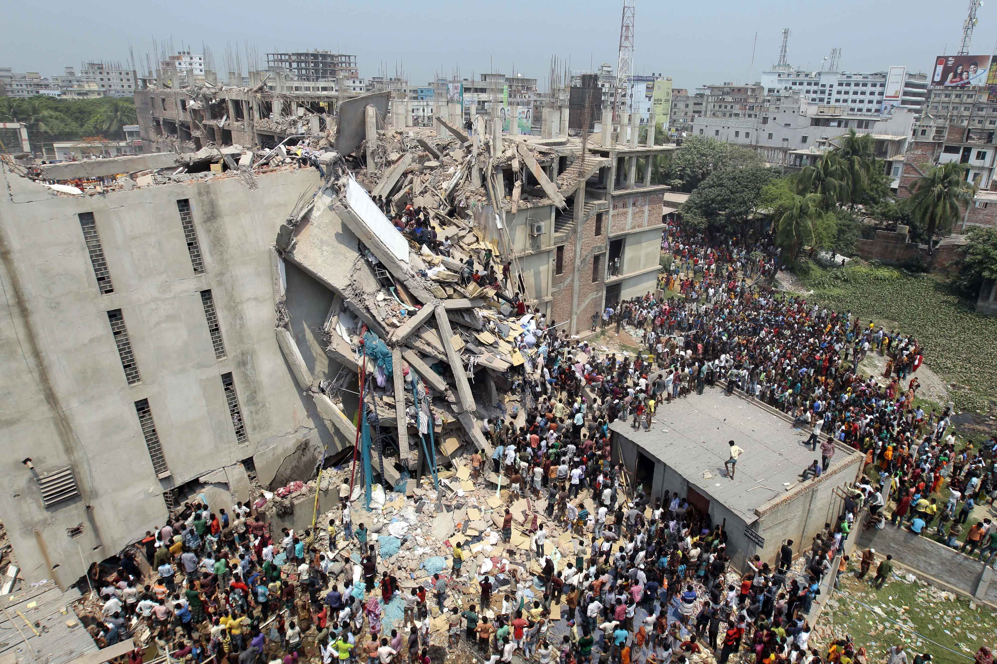 bangladesh factory collapse.jpg