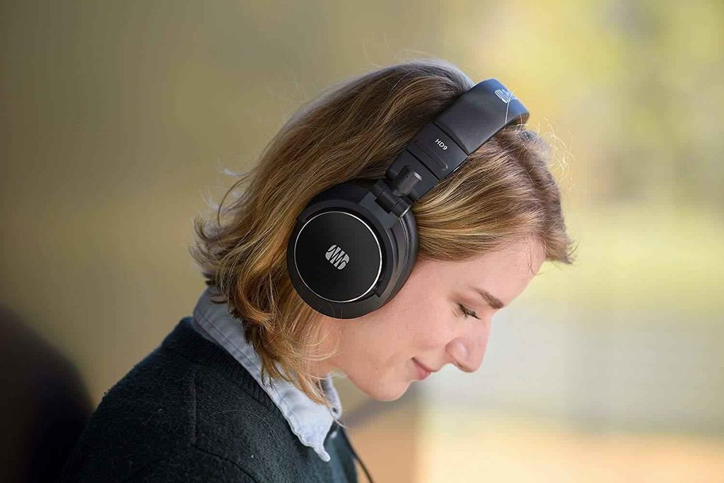 Professional Monitoring Headphones techX.jpeg