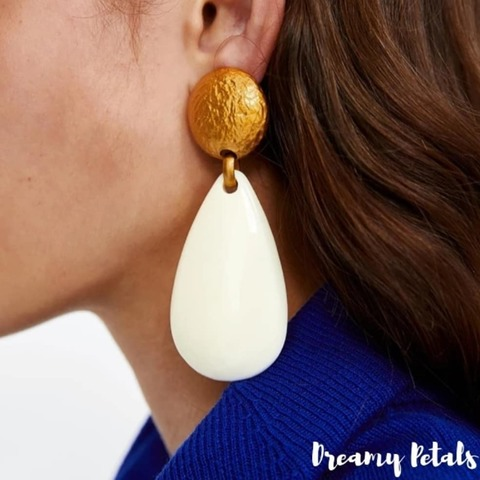 Forever Floral Earrings_56542193_131056394656565_4531006244185946690_n.jpg