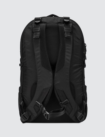 http___s3.store.hypebeast.com_media_image_30_01_Backpack_1_3-0a29f2e88c77bd80df70d0301817.jpg