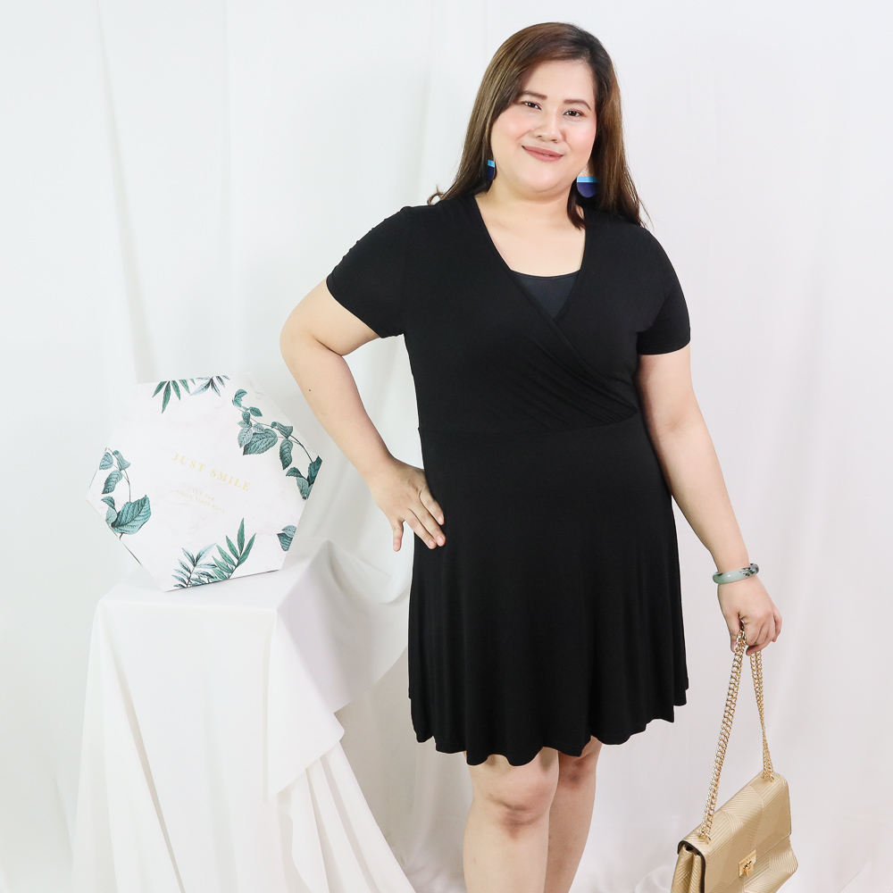 Plus Size Basic V Neck