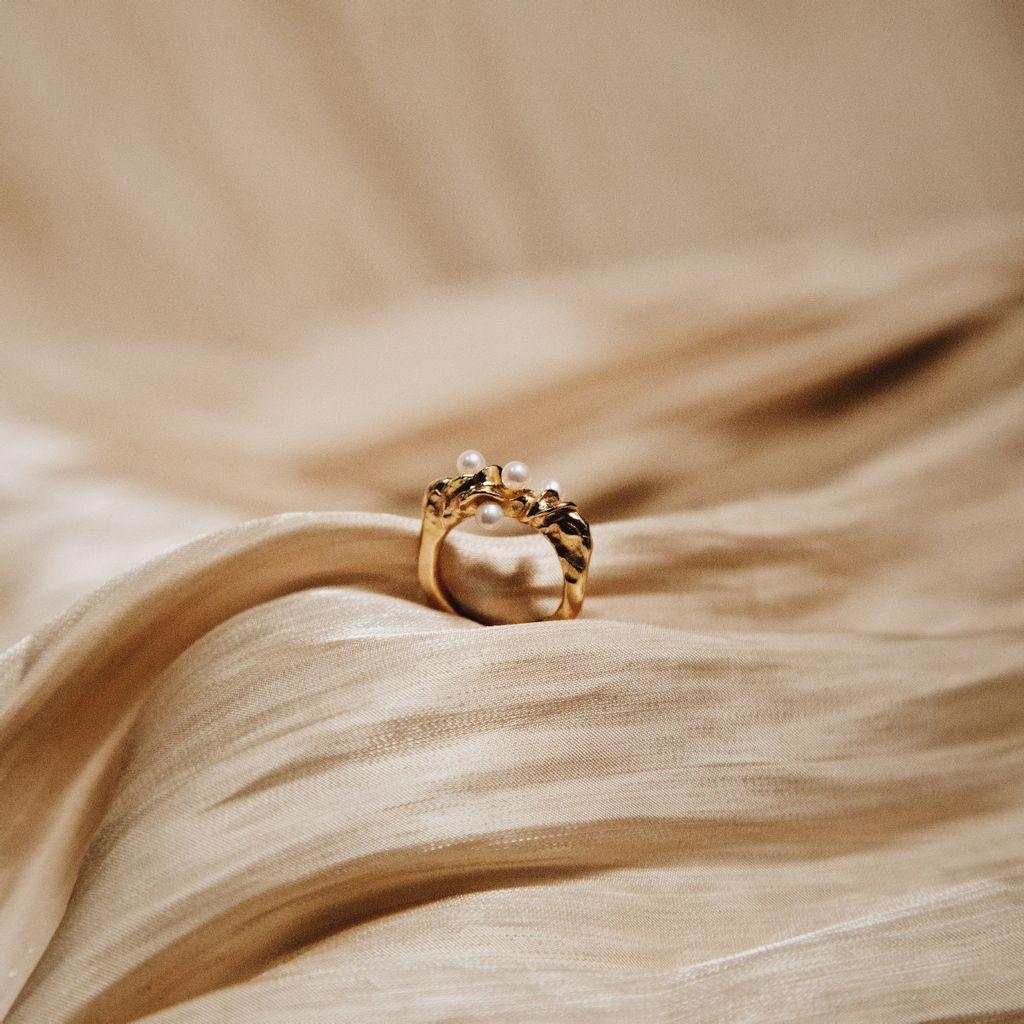 gold-foam-ring.jpg