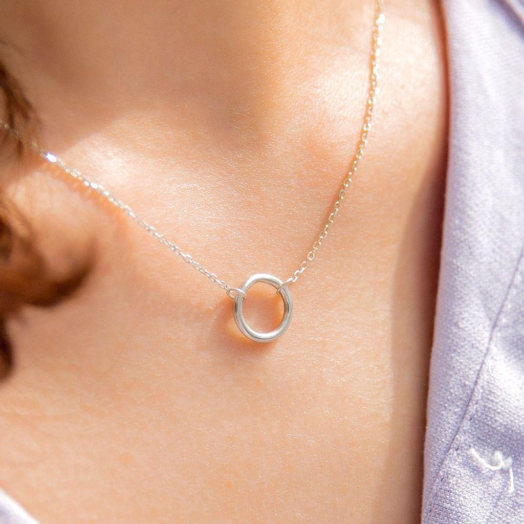 round-necklace02.jpg