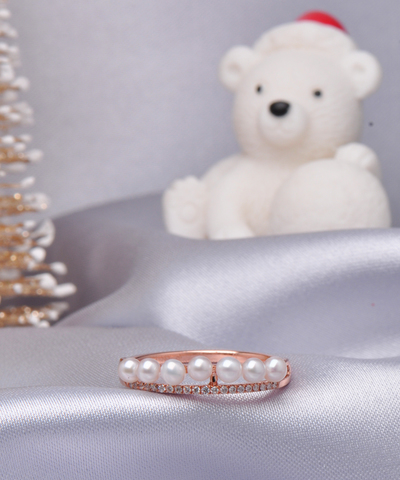 Celebration Pearl Diamond Ring 2 OK 1000 1200.jpg