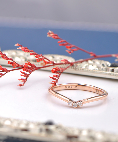 DR00015A - Sweet Curve Diamond Ring 21200.jpg