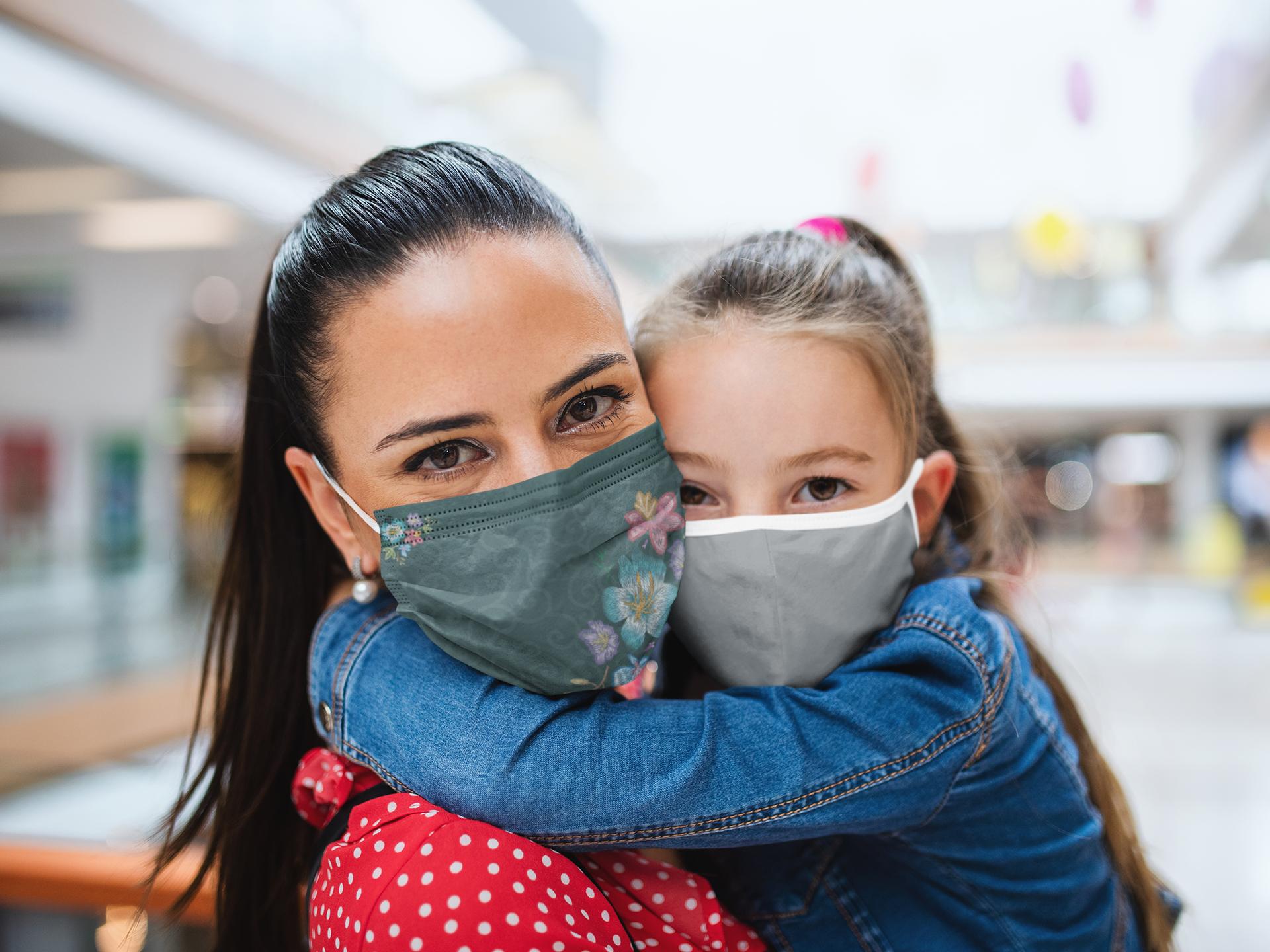 face-mask-mockup-of-a-little-girl-hugging-her-mom-44608-r-el2.png