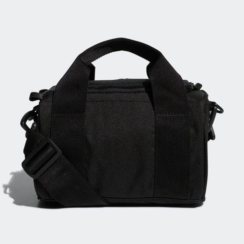 Golf_Shoulder_Bag_Black_FM4237_02_standard.jpeg