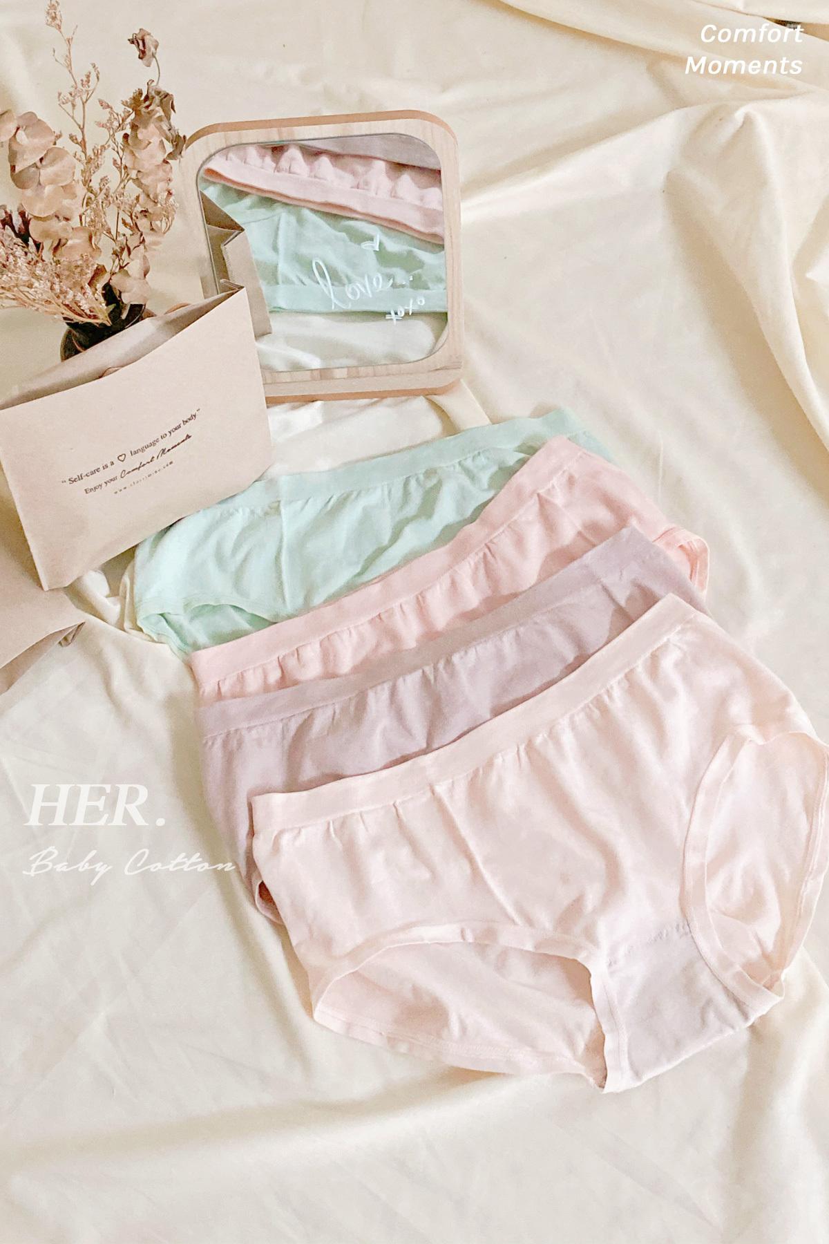 Her_panties1.jpg