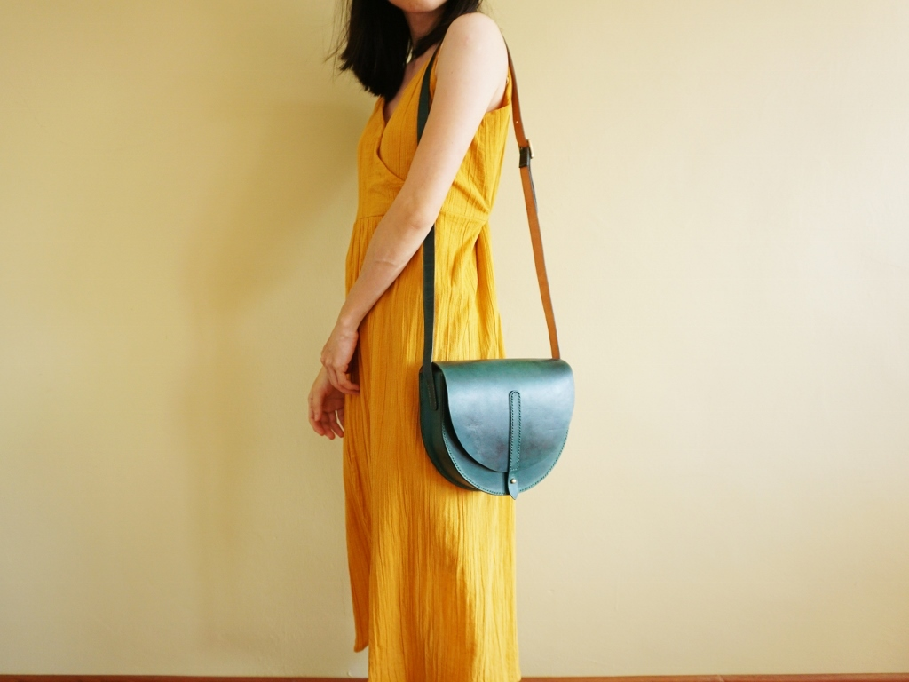 Half Moon Bag Turquoise Green (4).jpg
