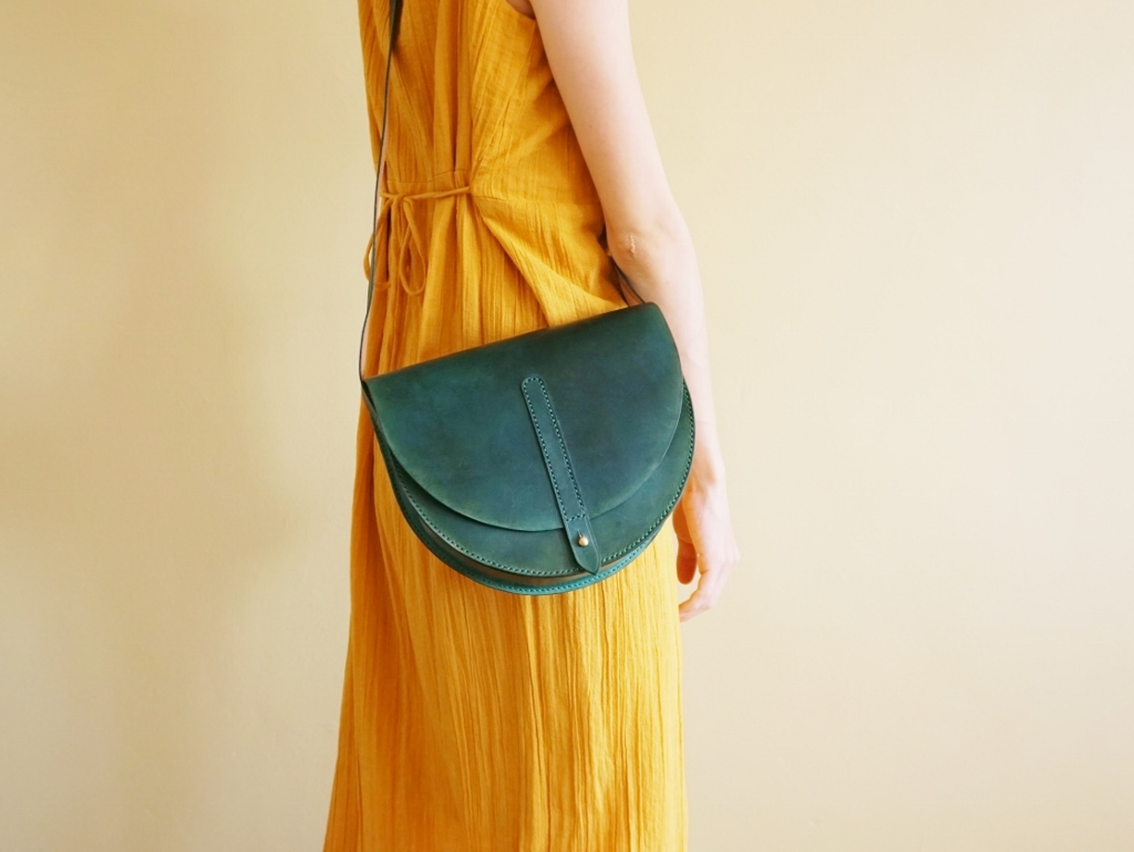Half Moon Bag Turquoise Green (6).jpg