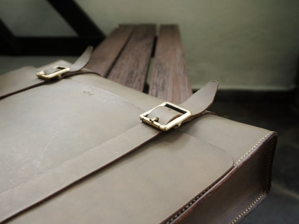 Men's Leather Messenger 2(1024x768).jpg
