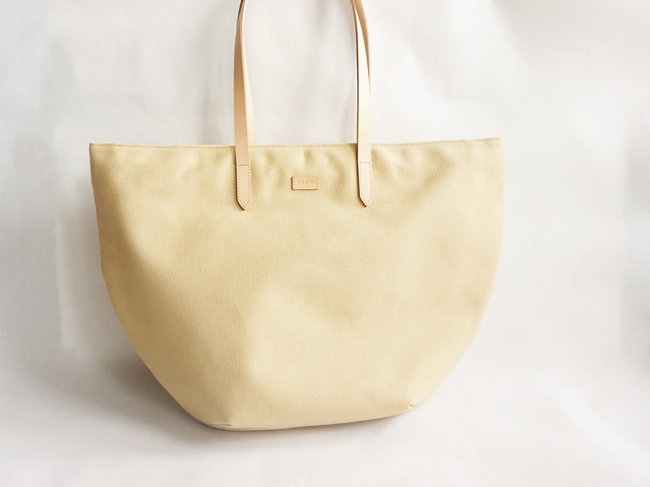 Studio tote medium - Khaki (9).jpg