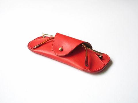 Sunglasses case - neon red (2).jpg