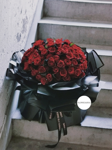 99 199 999 RED ROSES BOUQUET.jpg