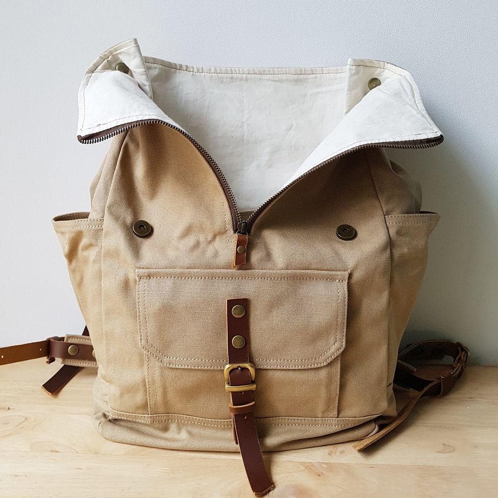 LS06 - Rucksack Backpack 10.jpg