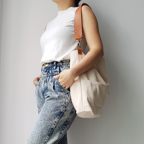 LS14 Shoulder Bag (L) 07.jpg