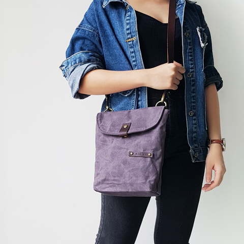 LS15 - Flip Flap Covered Sling Bag 04.jpg