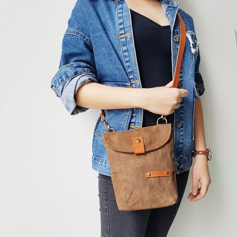 LS15 - Flip Flap Covered Sling Bag 08.jpg