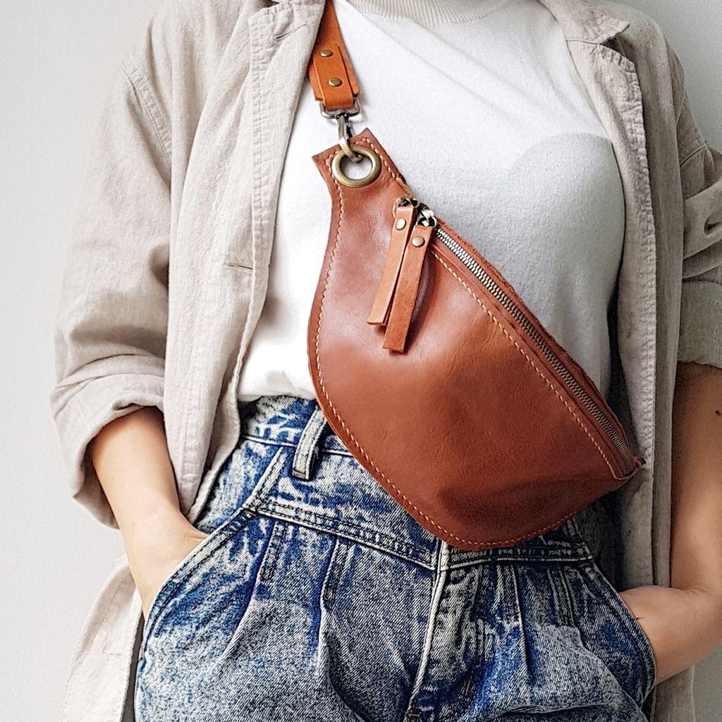 A35 Fanny pack bum bag 02.jpg
