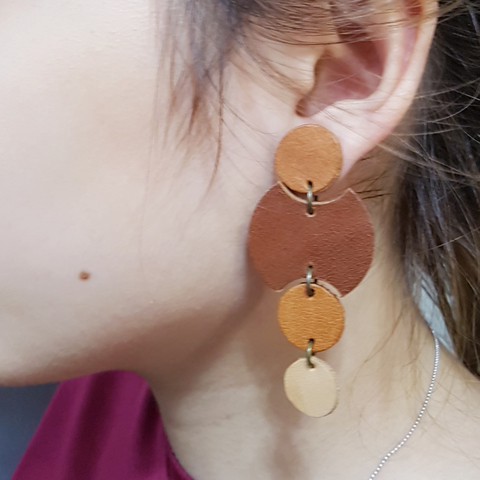 KE33 Rounds Drop Earrings 06.jpg