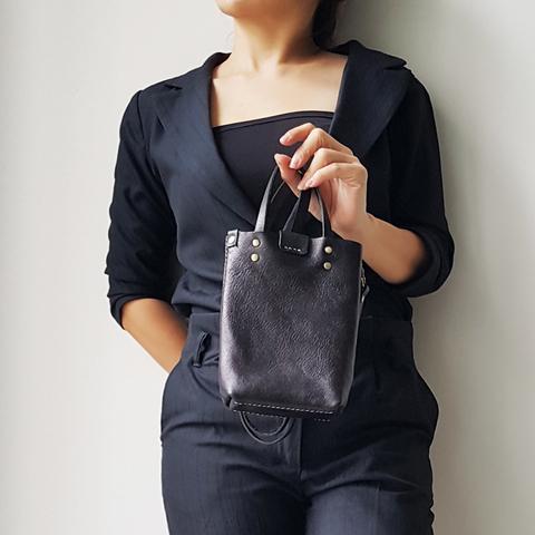 A38 Cell Phone Holder Bag 05.jpg