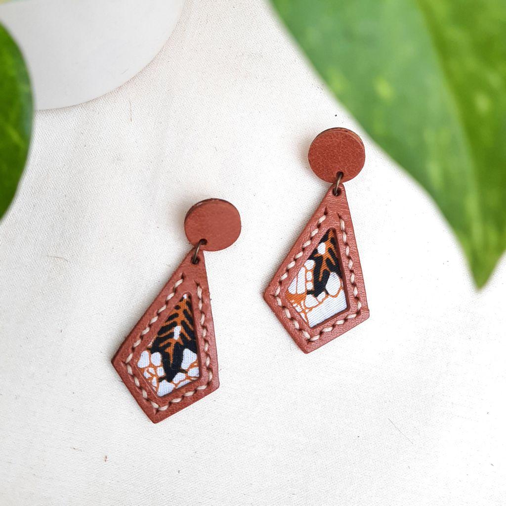 KE57 Batik Diamond Stitched 01.jpg
