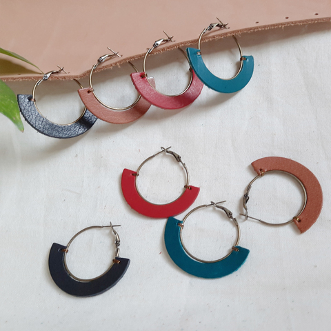 KE68 30mm Hoop Earrings 03.jpg