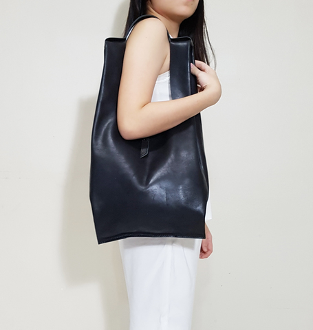 LEATHER SINGLET SHOULDER BAG N.jpg