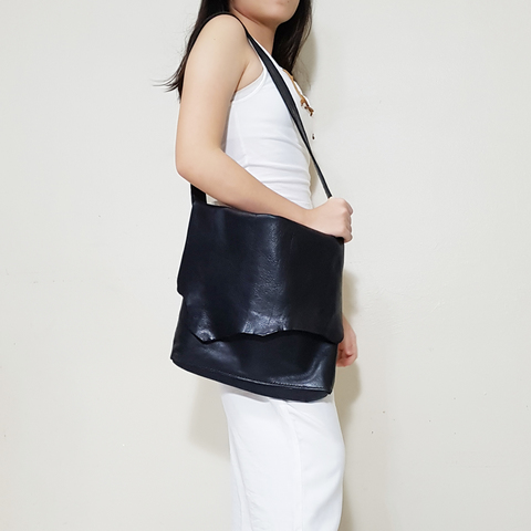 LEATHER SIMPLY SLING P.jpg