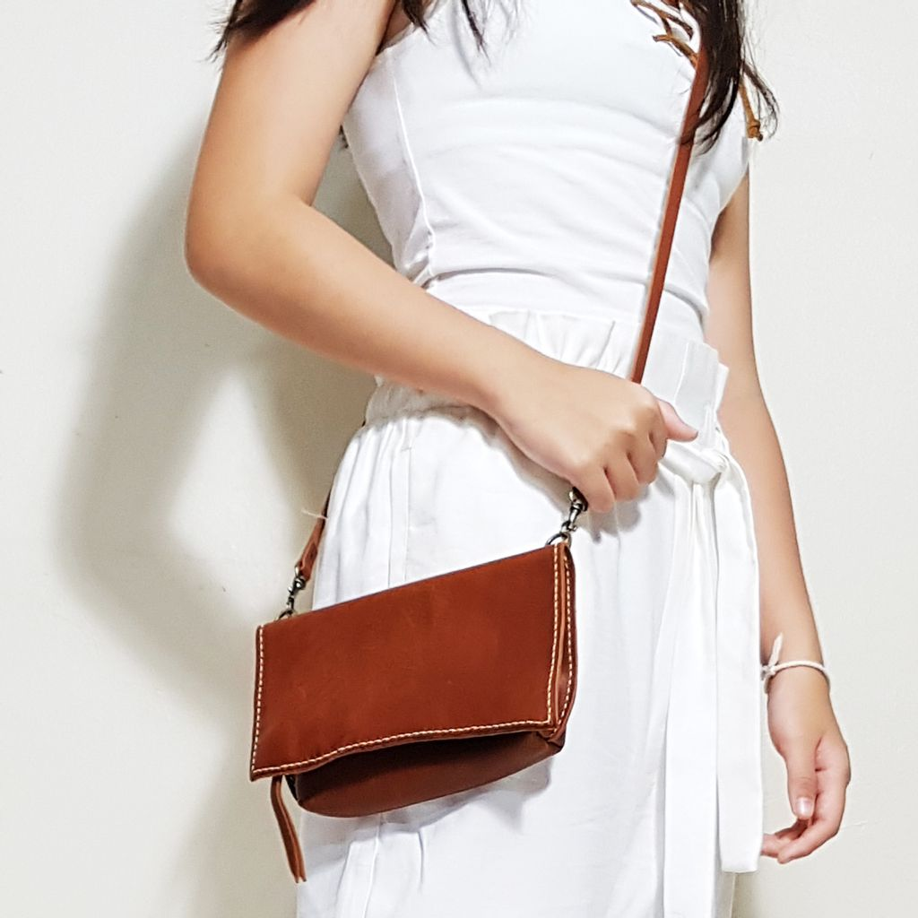 Leather 3 Ways pouch Copper C.jpg