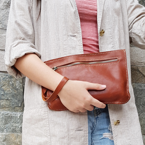 leather clutch 2.jpg