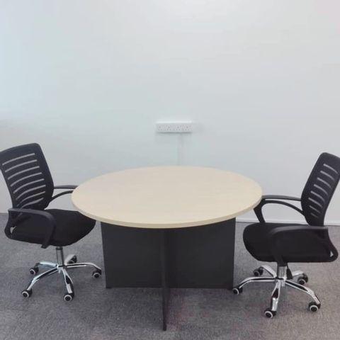 Discussion-Table---Tripod-Leg-640x480.jpg