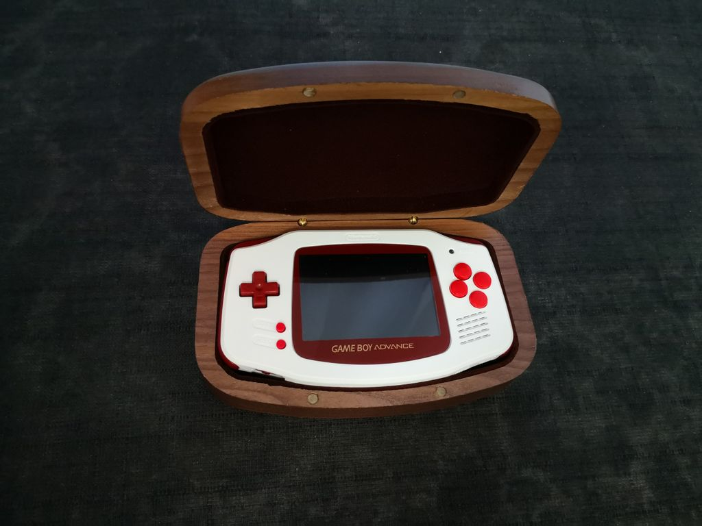 My_retro_game_case_gba_wood_case_with_gba.jpg