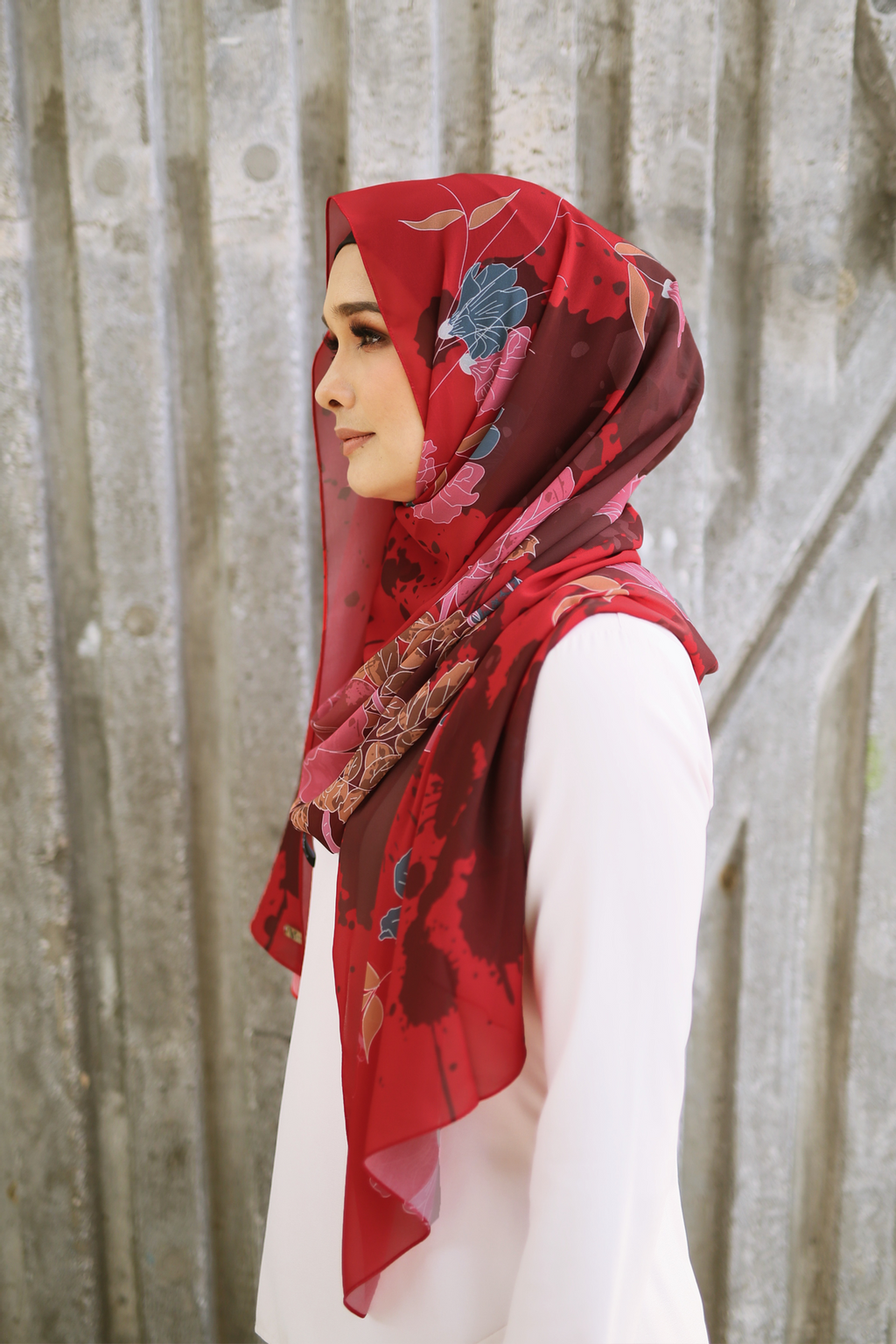 Fleur Shawl in Red 1.png