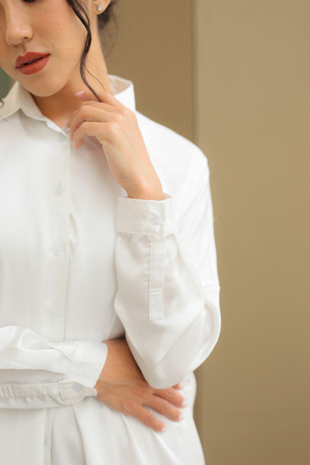 365 Satin Shirt in Off White (6).jpg