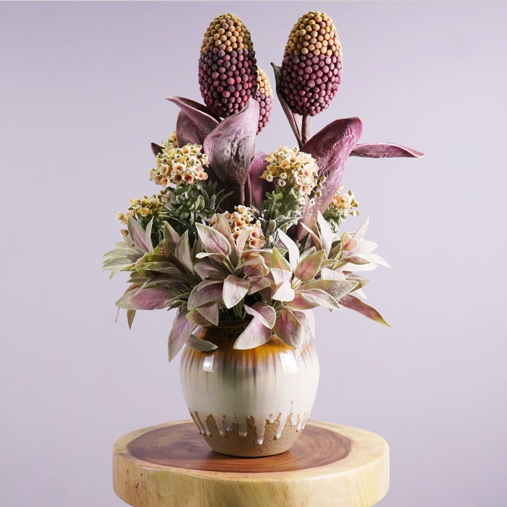 Honey Comb with Lily Flower Decor.jpg