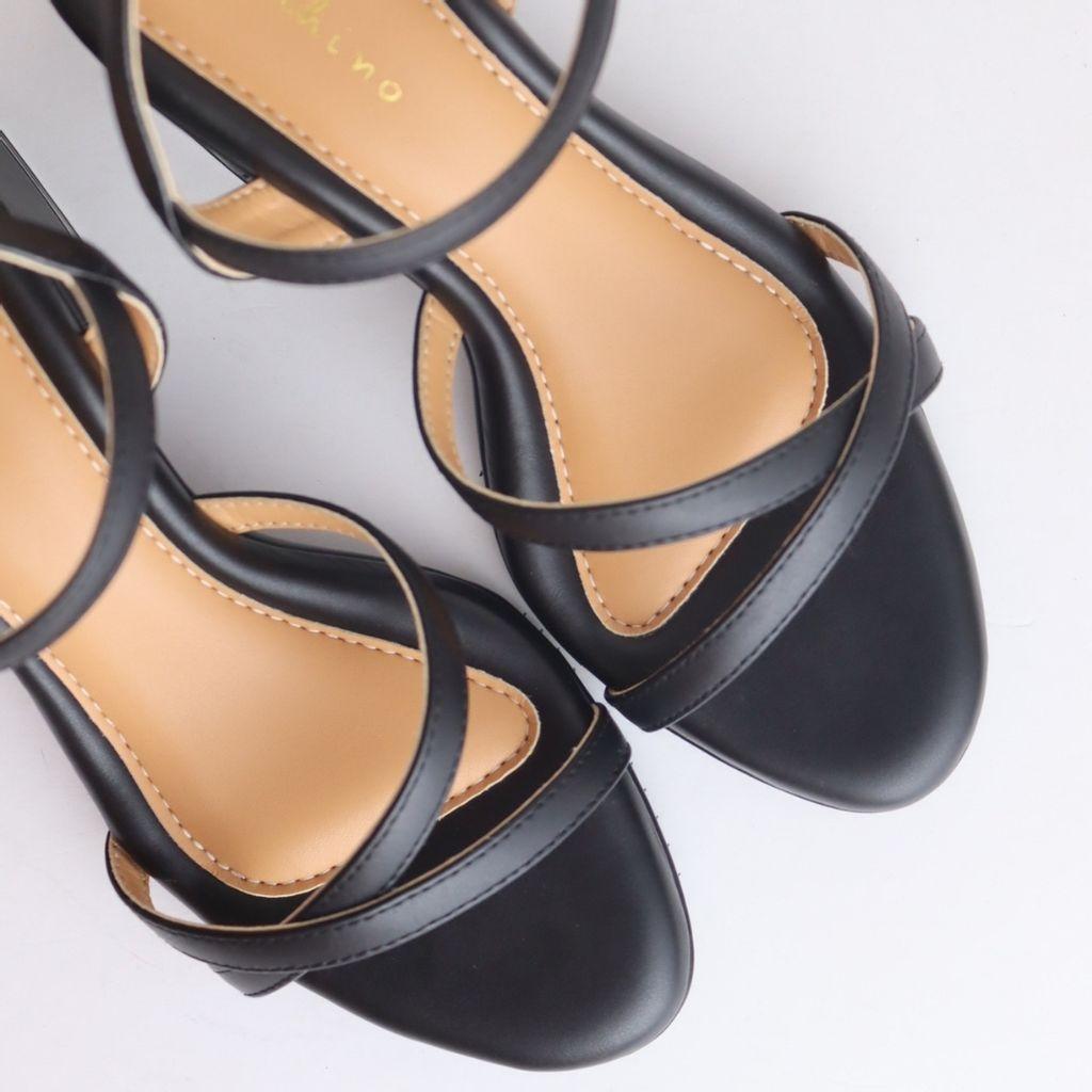 jenn black block heels 4.jpg